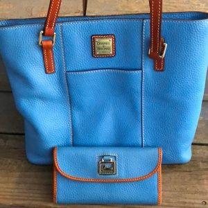 Dooney & Bourke pocketbook and wallet set in blue.